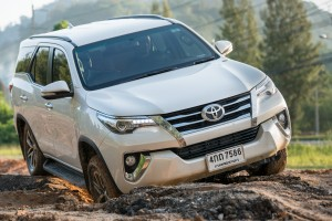 All-New-Fortuner-Off-Road_0010 - Copy