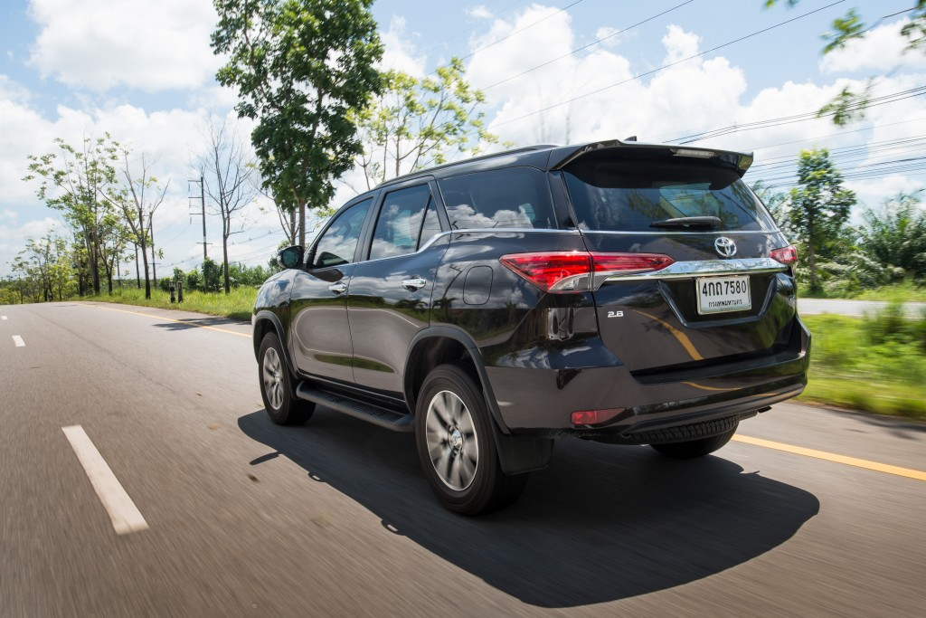 All-New-Fortuner-On-Road_0012