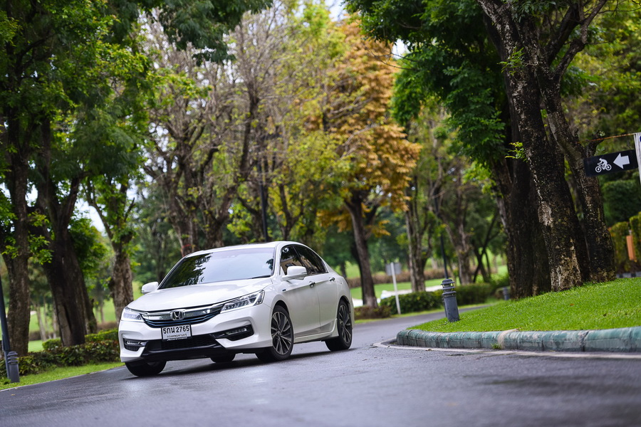 New Honda Accord Hybrid (1)